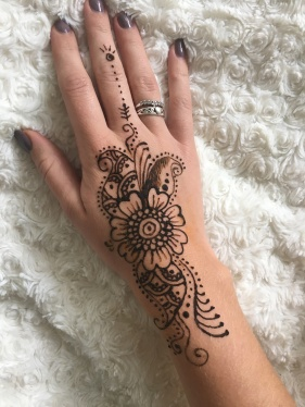 Henna tattoo - Hand piece